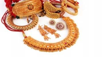 Gold extends gains for 7th day; spurts Rs 150 to Rs 28,710/10g