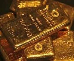 Gold touches Rs 32,900/ 10 gm: The golden metal became dearer as it touched a new all-time high of Rs 32,900 per 10 grams. After the US Federal Reserve decided to add further stimulus to its ailing economy, metals along with gold saw a significant rally.