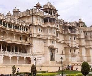 Udaipur:  The traditional retail destinations of Udaipur include Bapu Bazaar, Chetak Circle, Suraj Pole, Nehru Bazaar, Bada Bazaar and Chand Pole. Organised retail is also widespread throughout Udaipur, with Durga Nursery Road, Shakti Nagar and Sudkhadia Circle having the largest concentration of new entrants. Shopping mall developments are beginning to make their presence felt in Udaipur, in light of the growing demand among local consumers for a modern shopping experience.