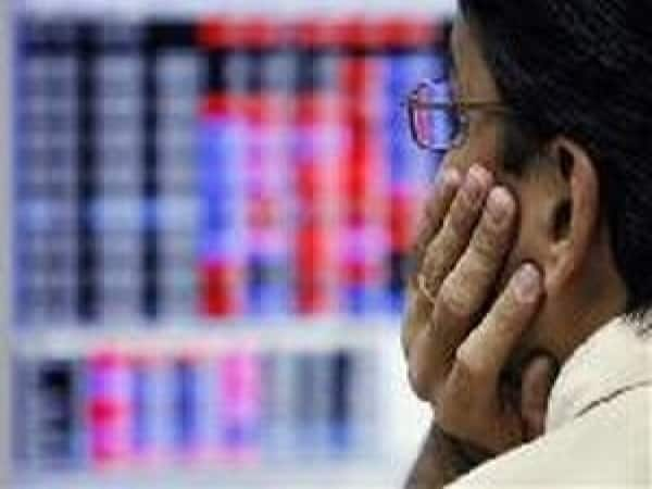 Even if the Nifty stayed above the 6000 mark, looking at the way midcaps behaved there cannot be any doubt that sentiment have taken a severe knock. In today's trade alone, midcap index lost over 2.8 percent. Midcap realty, infrastructure and IT companies were battered out of shape. Check out some of the midcap names that melted a good 6 percent to 21.6 percent.