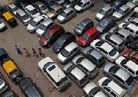 Dealers offer hefty festive discounts to boost car sales
