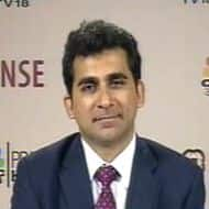 Budget 2013: Flat GDP cuts FII eye on Re; fiscal discipline key: Chinoy