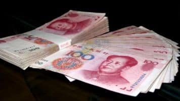 Don't blame yuan devaluation for global mkt rout: Official