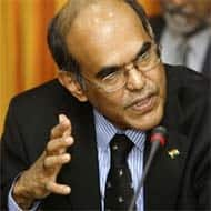 RBI chief against sovereign bonds; inflation risk persists