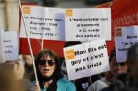 Poll shows 63% of French back gay marriage