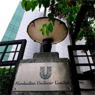 HUL may go upto Rs 489: Manghnani