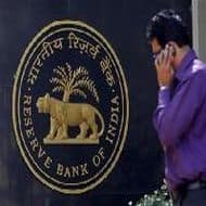 FIIs may invest upto $5bn in credit enhanced bonds: RBI