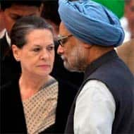J&K: PM, Sonia reach Kishtwar amidst tight security