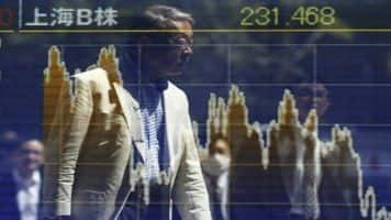 Nikkei jumps on weak yen, oil price slump