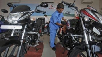 Hero MotoCorp unveils Splendor iSmart 110 at Auto Expo