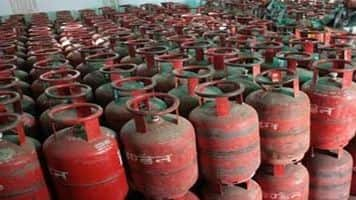 ATF price up 5.5%; non-subsidised LPG cut by Rs 42