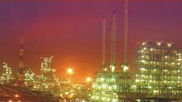 Asian refiners face lower margins: Fitch