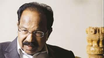 Govt did not apply its mind on land bill and GST: Moily