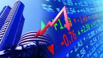 Late sell-off drags Sensex, Nifty for 5th day; IT, FMCG up