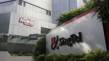 Singtel to buy stake in Intouch, India's Bharti Telecom
