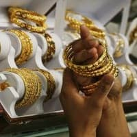 Gold imports seen up, premiums may double on festive buying