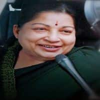 A day after her finale with the Left, Jaya calls Mamata