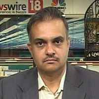 See 50 bps rate cut, good equity returns in'15: HSBC India
