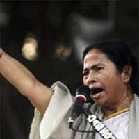 Mamata cries foul as CBI tightens noose in Saradha scam