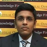 Buy gold & crude: Navneet Damani