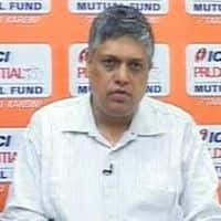Midcaps overvalued; buy small, largecaps: ICICI Pru
