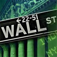 Wall Street advances; S&P, Nasdaq book fifth straight gain