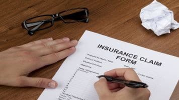Optimizing claim settlement options in term life insurance plans