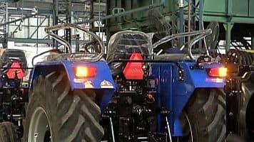 Cash ban: Auto, tractor cos suffer Rs 8,000 cr revenue loss