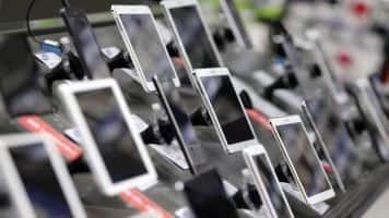 Datawind unveils free data bundled 3G handsets