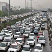 Govt okays Rs 1,000 cr projects to ease Delhi, Gurgaon traffic