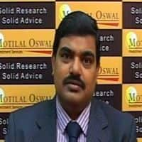 Sell gold, crude & copper: Kishore Narne