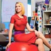 Yahoo's Mayer saves her job with Alibaba spin-off