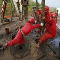Oil prices edge up on firm Asian, US demand