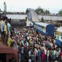 8 coaches of Delhi-Faizabad express derail near Garhmukteshwar