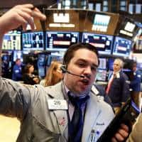 Wall Street ends flat with eyes on payrolls