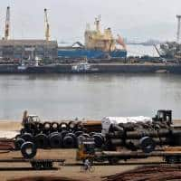 India extends steel floor price to Feb 4 to curb cheap imports