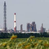 Outages brighten European refineries' year-end profit prospects