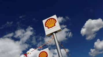 Shell to cut 2,200 more jobs in face of weak oil prices