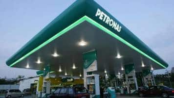 Petronas weighs sale to exit $27 bn Canada LNG project: Sources