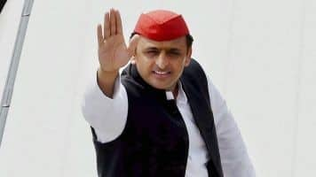 Akhilesh hints at alliance with Mayawati post a hung assembly