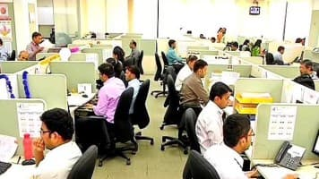 Capgemini on hiring spree, headcount to hit 1 lakh by Apr-end