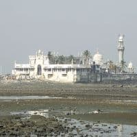 HC allows women's entry in Haji Ali dargah's sanctum sanctorum