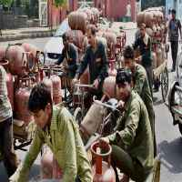 Subsidised LPG rate hiked by Rs 2 a cylinder; jet fuel by 7.3%