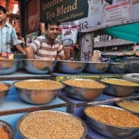 Govt to sell subsidised pulses through post offices