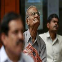 Sensex, Nifty still in red; Coal India, ONGC, Reliance gainers
