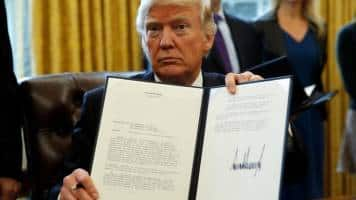 Donald Trump clears way for controversial oil pipelines