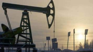 Oil falls on lower China growth targets