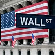 Wall St rises on banks' results; S&P's best week since Jan