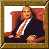 Mukesh, Anil Ambani bonhomie as Prez honours their father