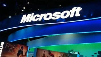 Microsoft's hardware plan under scrutiny after record loss